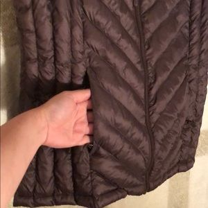 32 Degrees Jackets & Coats - 32 Degrees Puffer Vest in a Purple/Brown/Burgundy